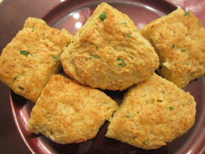 Daring Bakers: Garlic Cheddar Biscuits