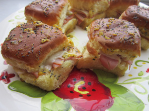 Sammich Saturday: Ham & Cheese Sliders