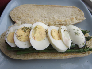 Sammich Saturday: Egg & Asparagus Sammich