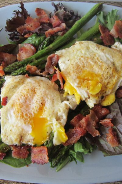 Bacon, Egg, and Asparagus Salad