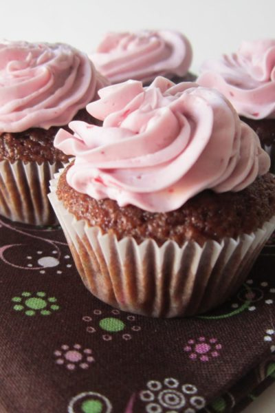 What's Baking: Blackberry Merlot Cupcakes