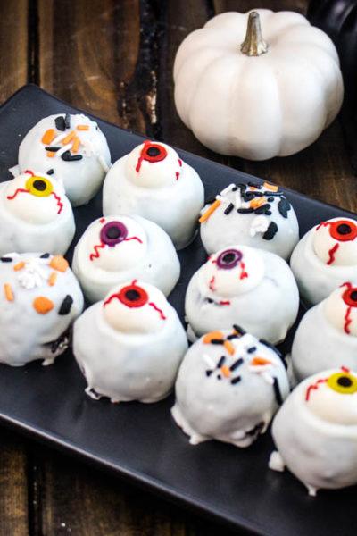 Spooky Eyeball Truffles #HalloweenTreatsWeek