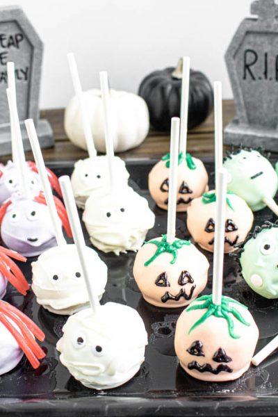 Halloween Cake Pops #HalloweenTreatsWeek