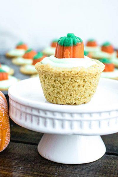 Pumpkin Patch Cookie Cups #HalloweenTreatsWeek